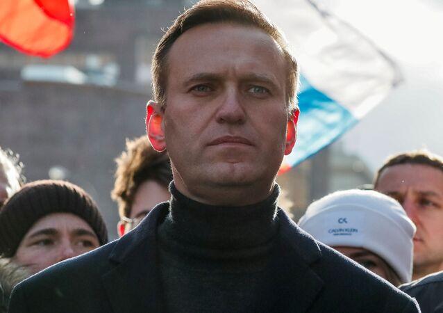 Bloger Aleksiej Nawalny na wiecu poświęconym zabójstwu Borysa Niemcowa przeciwko zmianom w konstytucji