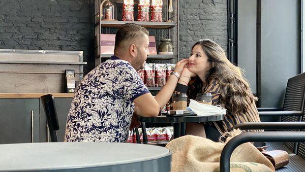 Para w kawiarni w Stambule - Sputnik Polska
