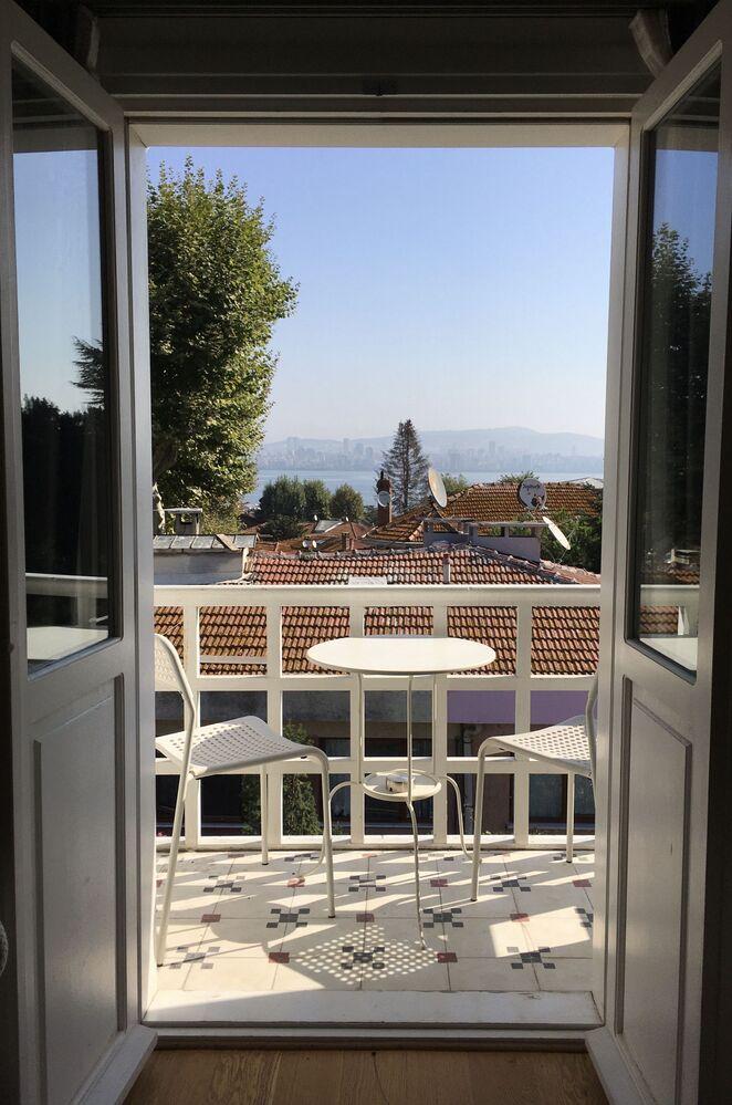 Widok Stambułu z okna domu