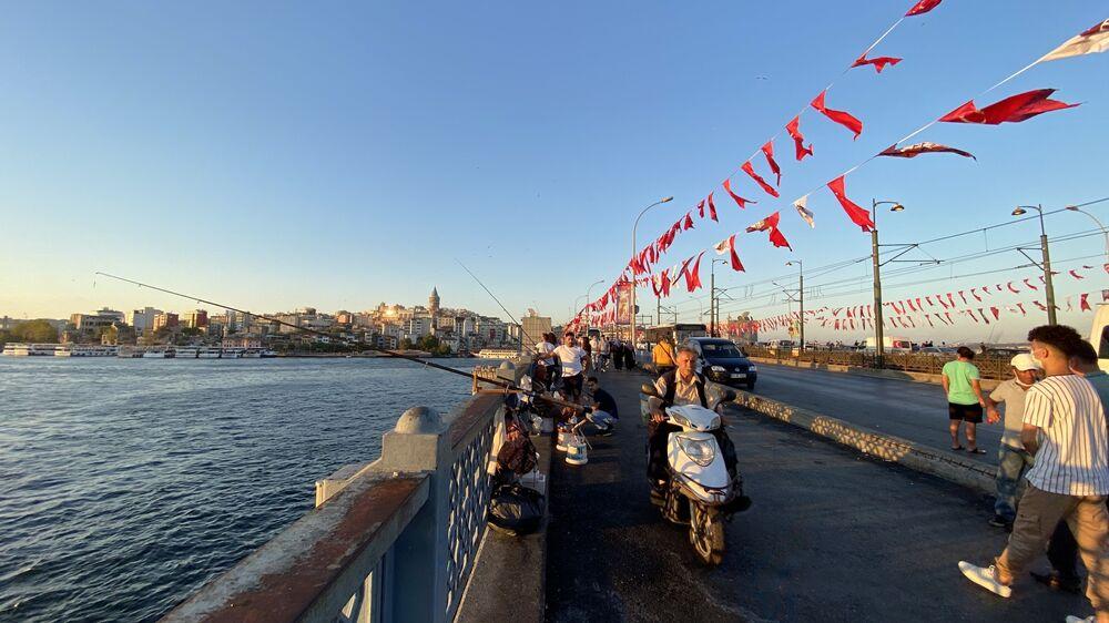 Most Galata w Stambule