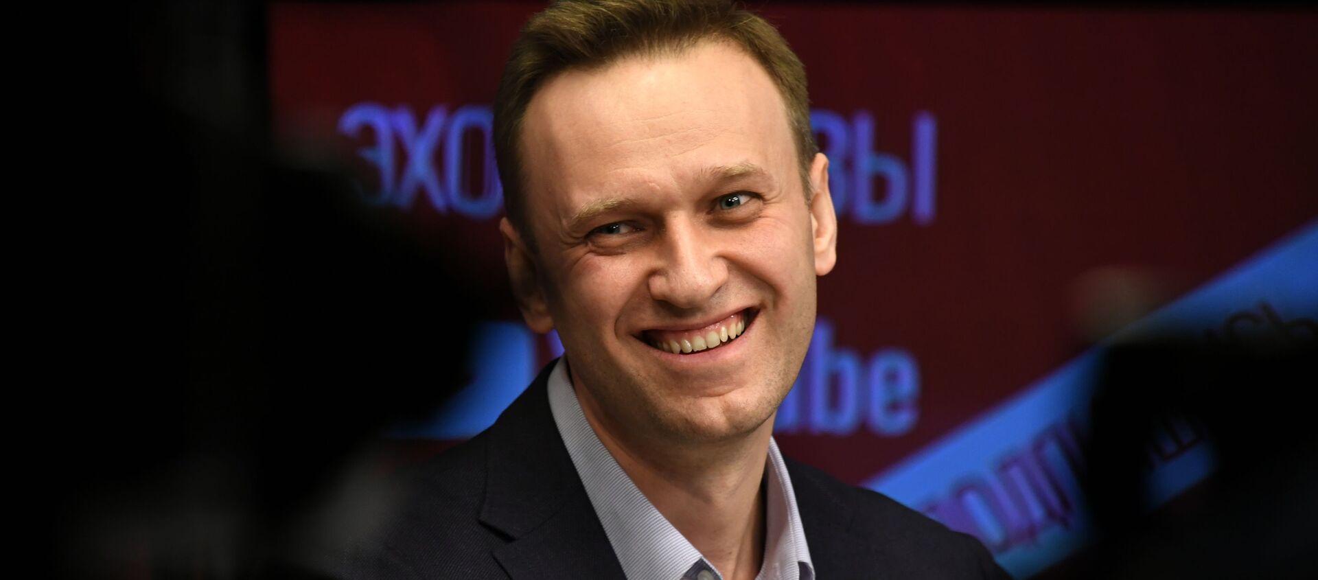 """Aleksiej Nawalny podczas wywiadu na antenie radia """"Echo Moskwy"""" - Sputnik Polska, 1920, 01.02.2021"""