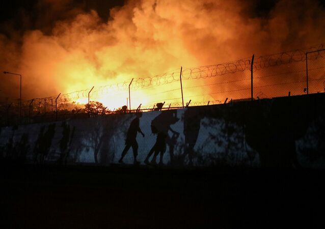 Pożar obozu dla uchodźców Moria na północnym wschodzie Lesbos, Grecja