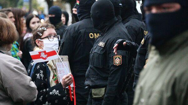 Protestujący w Mińsku - Sputnik Polska