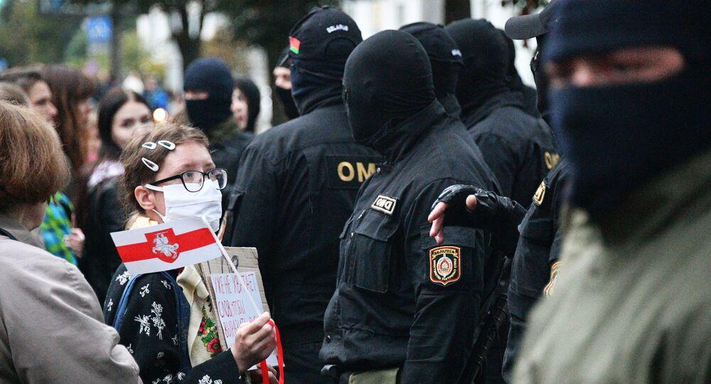Protestujący w Mińsku