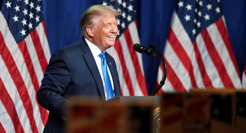 Prezydent USA Donald Trump przemawia do zwolenników w Północnej Karolinie