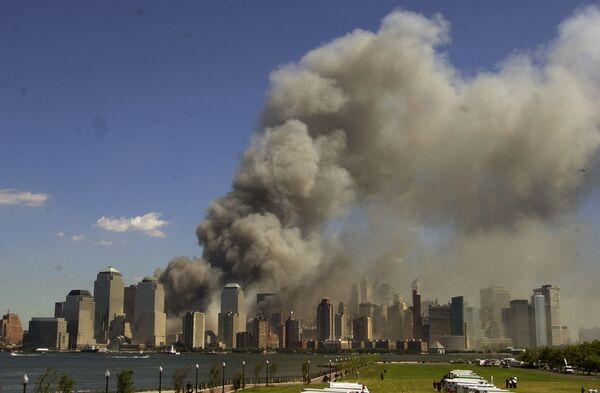 Płonące wieże World Trade Center  - Sputnik Polska