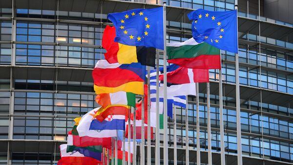 Flagi krajów członkowskich przed siedzibą Rady Europy - Sputnik Polska