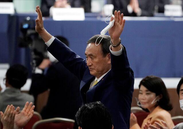 Sekretarz generalny gabinetu ministrów Japonii Yoshihide Suga po wyborach