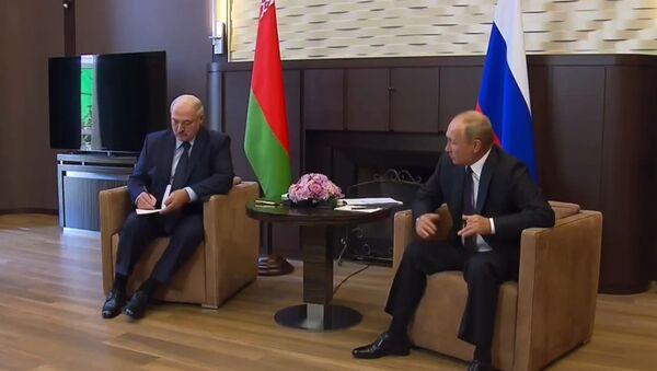Władimir Putin i Alaksandr Łukaszenka podczas spotkania w Soczi - Sputnik Polska