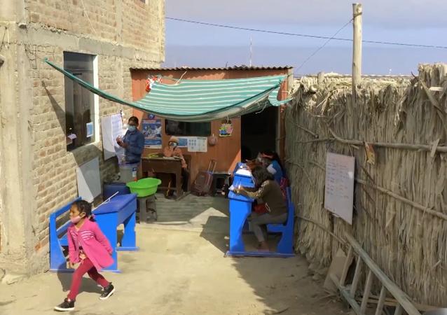 14-latek otwiera domową szkołę w Peru