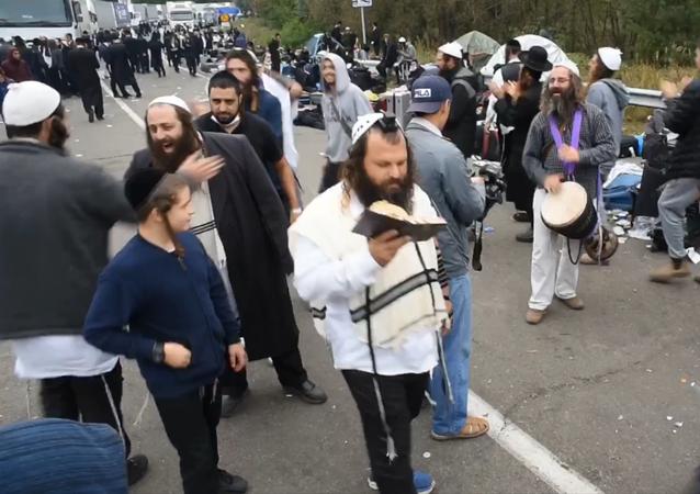 Półtora tysiąca Żydów nie może dostać się do miasta Humań.