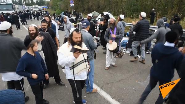 Półtora tysiąca Żydów nie może dostać się do miasta Humań - Sputnik Polska