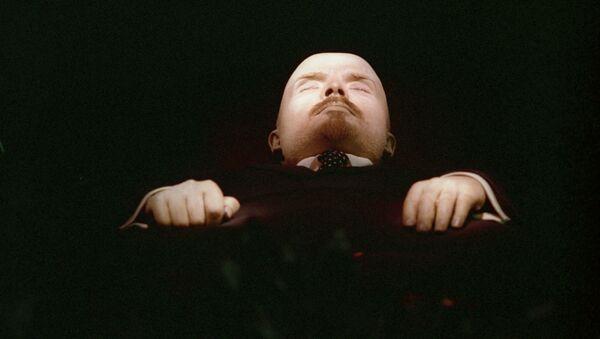 Zabalsamowane ciało Lenina w Mauzoleum na Placu Czerwonym - Sputnik Polska