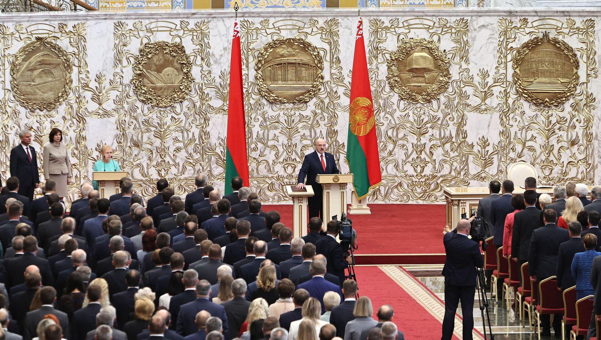 Alaksandr Łukaszenka podczas inauguracji na prezydenta Białorusi - Sputnik Polska, 1920, 10.05.2021