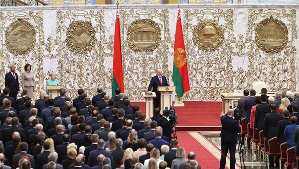 Alaksandr Łukaszenka podczas inauguracji na prezydenta Białorusi - Sputnik Polska