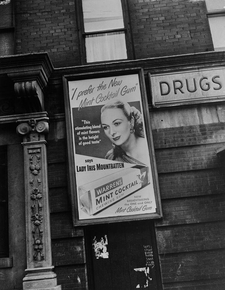 Plakat promocyjny Warrens - gumę do żucia z udziałem Lady Iris Mountbatten, kuzynki króla Anglii Jerzego VI, 1947 rok