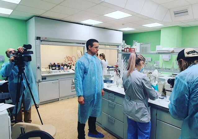 """Rosyjskie laboratorium opracowujące szczepionkę przeciwko COVID-19 """"Sputnik V"""""""