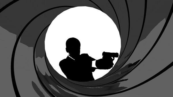 Agent 007 - Sputnik Polska