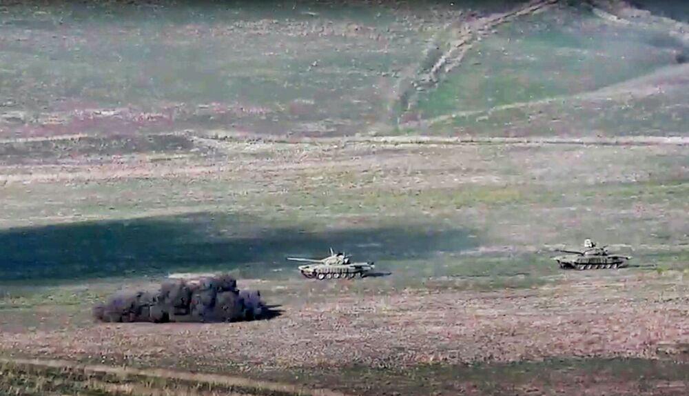 Armia ormiańska niszczy azerbejdżańskie czołgi na lini styku Republiki Górskiego Karabachu