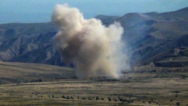 Siły Zbrojne Azerbejdżanu prowadzą działania bojowe w Górskim Karabachu - Sputnik Polska