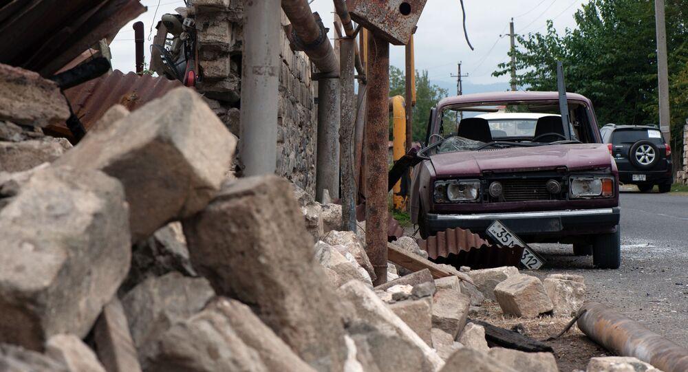 Skutki ostrzału domów cywilów w Górskim Karabachu