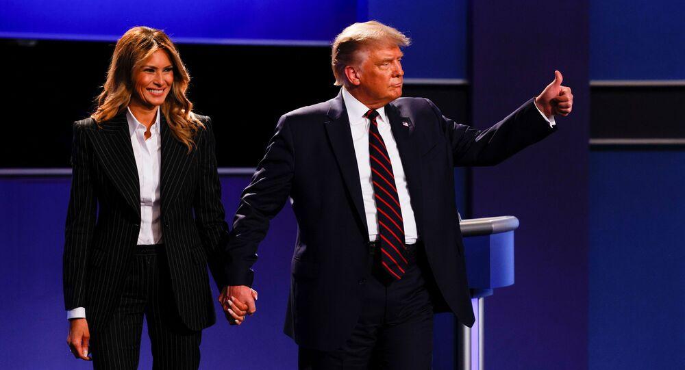 Prezydent USA Donald Trump z żoną Melanią po zakończeniu pierwszej debaty z kandydatem na prezydenta USA Joe Bidenem