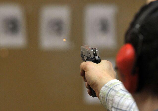 Testy broni palnej i nabojów na stanowisku badawczym