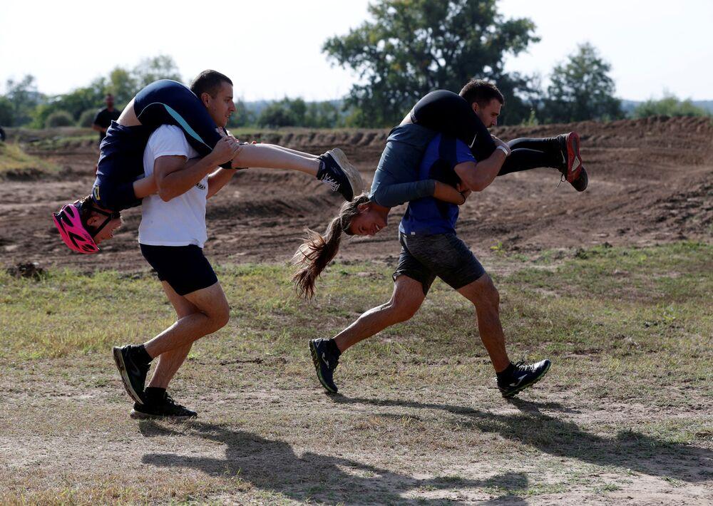 Bieg z żoną na szyi, Węgry