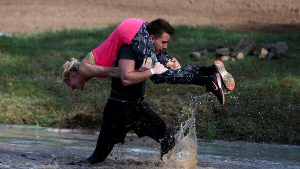 Bieg z żoną na szyi, Węgry - Sputnik Polska