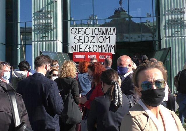Protest wsparcia dla sędziego Igora Tulei w Warszawie