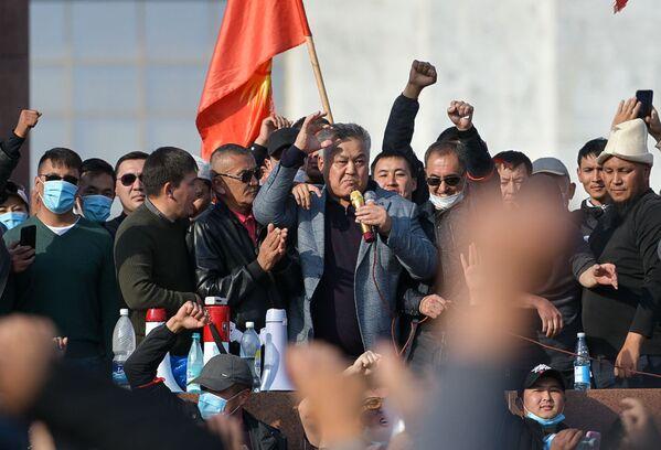 Protesty przeciwko wynikom wyborów w Kirgistanie - Sputnik Polska