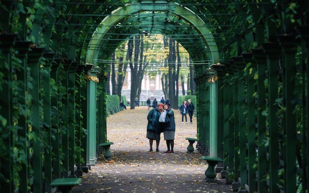 Ogród Letni w Petersburgu w październiku
