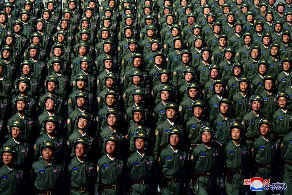 Translacja Parady z okazji 75. rocznicy powstania Partii Robotniczej Korei Północnej