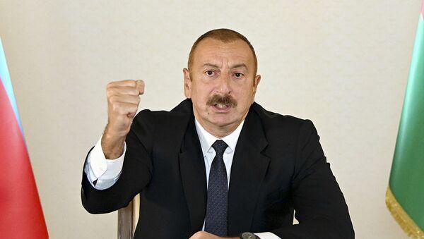 Prezydent Ilham Alijew przemawia do mieszkańców Azerbejdżanu - Sputnik Polska