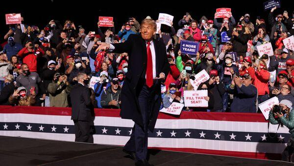 Trump występuje przed zwolennikami - Sputnik Polska