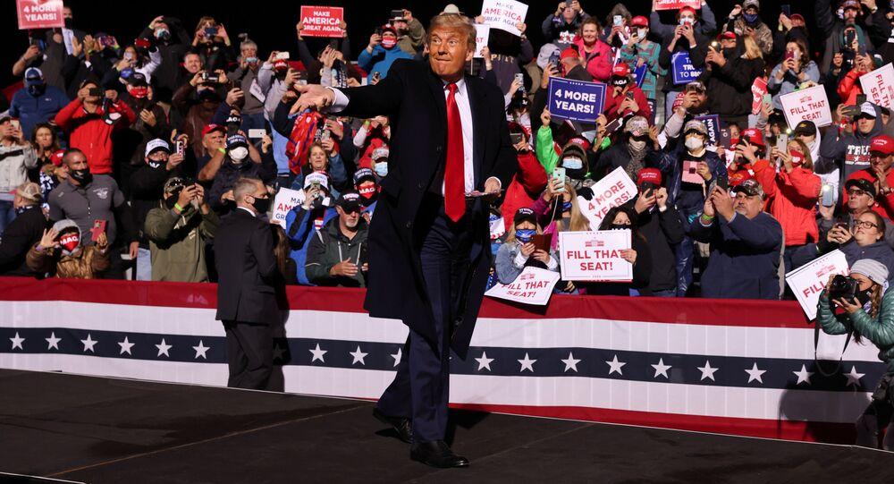 Trump występuje przed zwolennikami