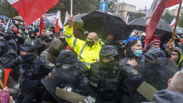 Protesty rolników w Warszawie - Sputnik Polska