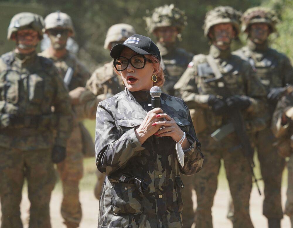 Georgette Mosbacher na spotkaniu z żołnierzami podczas ćwiczeń Defender Europe 2020