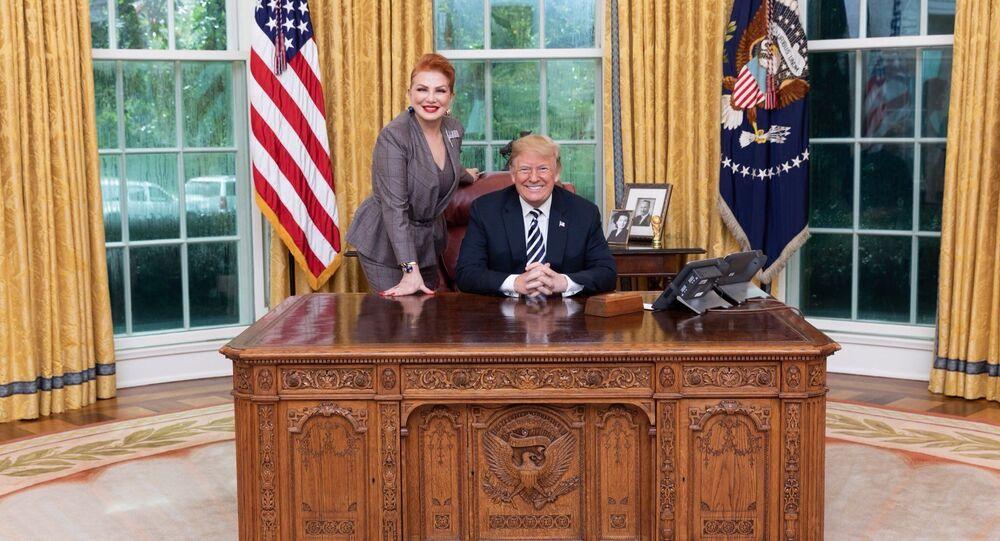 Ambasador USA w Polsce Georgette Mosbacher z prezydentem Donaldem Trumpem w Białym Domu
