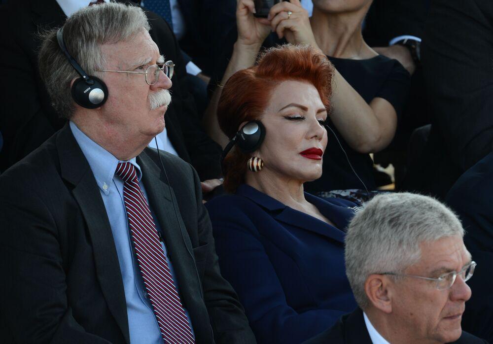 Były Doradca ds. bezpieczeństwa narodowego USA John Bolton i ambasador USA w Polsce Georgette Mosbacher w Warszawie