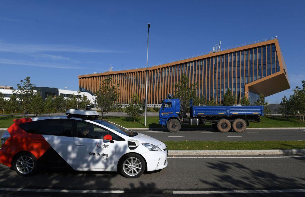 """Testy bezzałogowej ciężarówki """"KAMAZ"""" w Tatarstanie"""