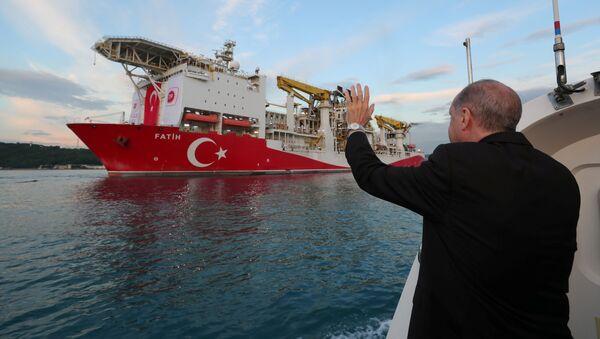 Prezydent Turcji Recep Tayyip Erdogan poinformował o odkryciu nowych złóż gazu ziemnego na Morzu Czarnym. - Sputnik Polska