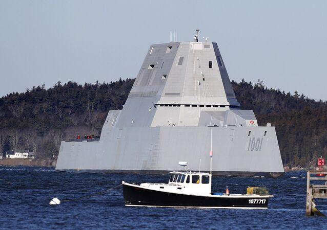 Niszczyciel stealth Marynarki Wojennej USA USS Zumwalt