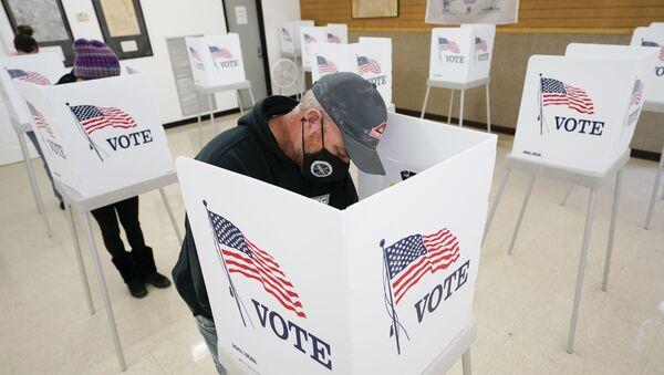Przedterminowe głosowanie w stanie Iowa (USA) - Sputnik Polska