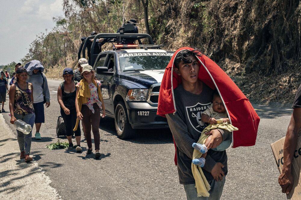 """Najlepsza seria zdjęć w kategorii """"Najważniejsze wiadomości"""" – road story Francuza Jofre'a Guillemarda """"Południowa granica"""""""