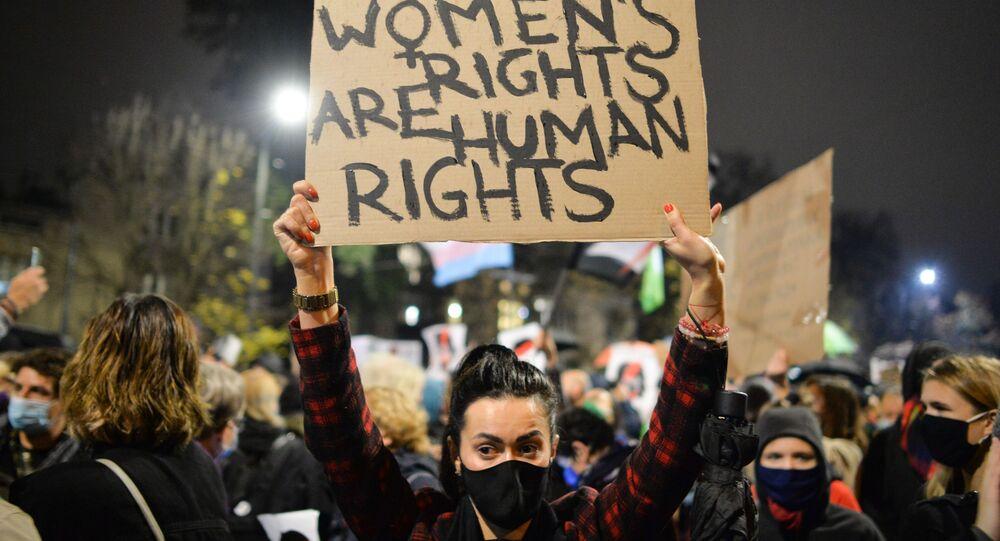 Protesty przeciwko zaostrzeniu przepisów dotyczących aborcji w Polsce