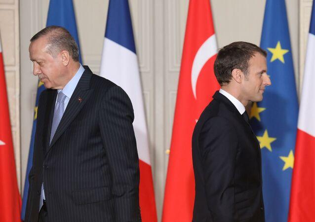 Prezydent Turcji Recep Tayyip Erdogan i prezydent Francji Emmanuel Macron.