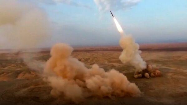 Irańska armia przeprowadziła ćwiczenia na obszarach graniczących w Armenią i Azerbejdżanem. - Sputnik Polska