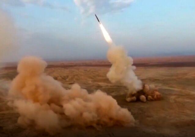 Irańska armia przeprowadziła ćwiczenia na obszarach graniczących w Armenią i Azerbejdżanem.