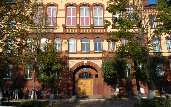 Budynek szkoły nr 6 w Czerniachowsku, w którym w czasie I wojny światowej mieścił się lazaret - Sputnik Polska